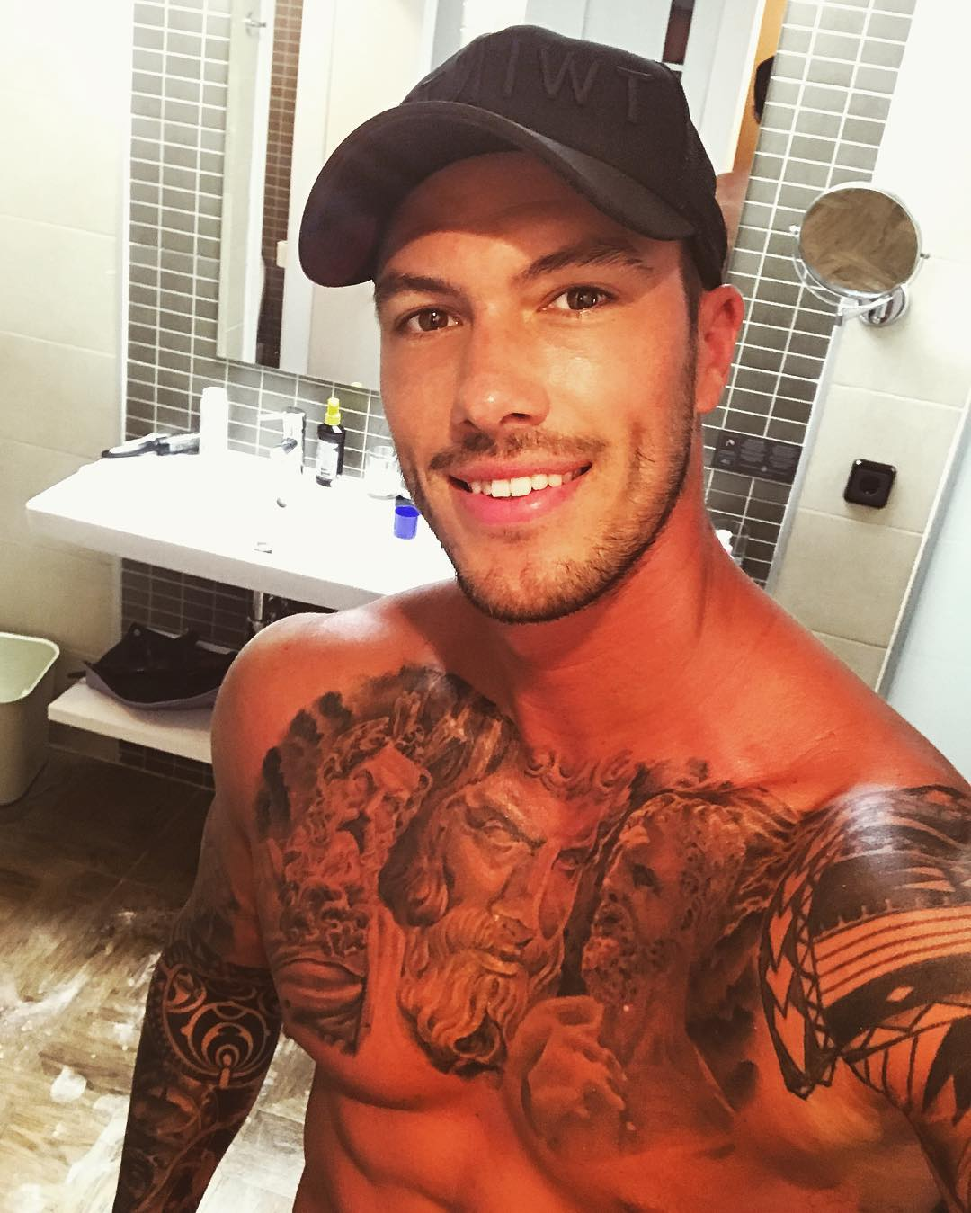 Adam Maxted net worth