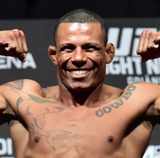 Alex Oliveira net worth