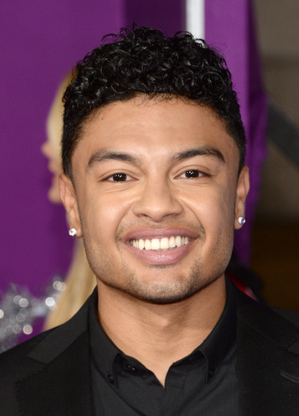 Alfredo Flores net worth