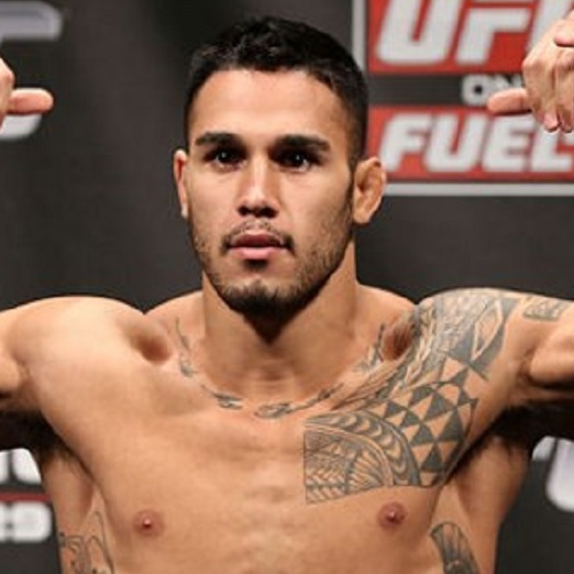 Brad Tavares net worth