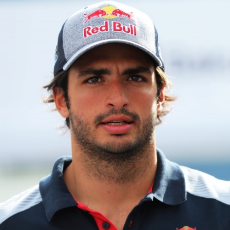 Carlos Sainz Jr. net worth