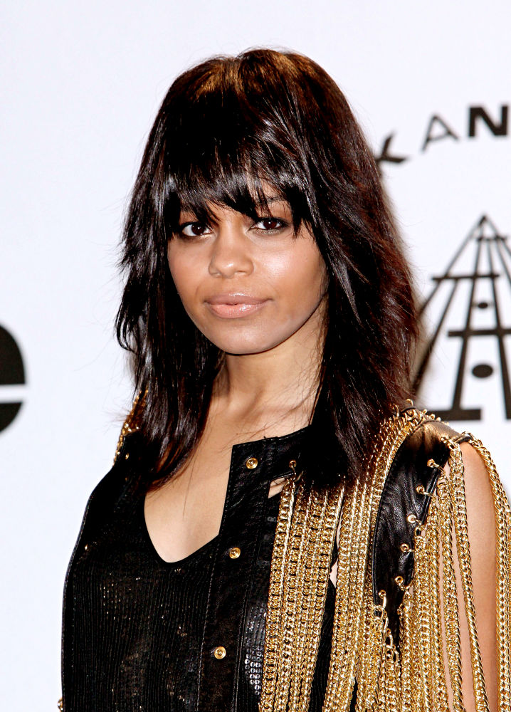 Fefe Dobson net worth
